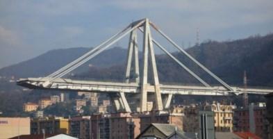 «Il Ponte Morandi è a rischio crollo»: così Atlantia ignorò report del 2014