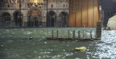 Acqua alta a Venezia, previsioni allarmanti: attesa marea da codice rosso