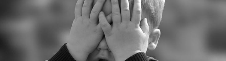 Bimbi picchiati, calpestati e minacciati di morte dalle maestre: l'orrore nell'asilo di Cariati