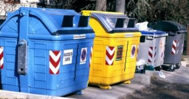 Cassoni della raccolta rifiuti