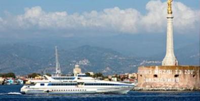 Disagi per i pendolari dello Stretto, scioperano le navi della Blu jet