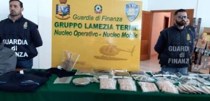 Sette pistole e materiale esplodente nella disponibilità dell'usuraio di Lamezia