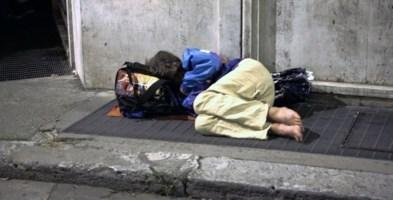 Viveva in una tenda, muore una senzatetto. Dramma della solitudine a Strongoli