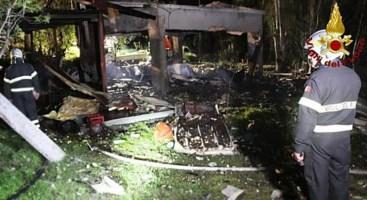 Esplosione in una fabbrica nel Messinese (foto Ansa)