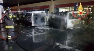 Incendio in una stazione di servizio a Lamezia