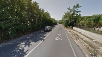 Ragazza investita e abbandonata a Corigliano-Rossano: caccia all'auto pirata