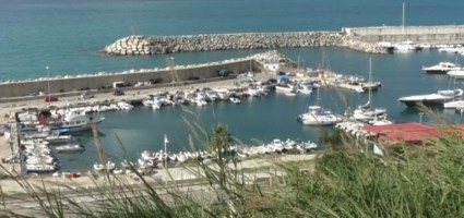 Il porto di Palmi abbandonato tra incompiute, degrado e caos nelle concessioni