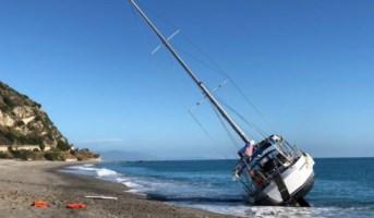 Barca a vela arenata