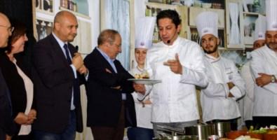 San Marco Argentano, lo chef Mazzei tra gli studenti dell'Alberghiero