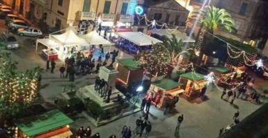 Natale a Tropea: negozi aperti, luci d'artista, pista di ghiaccio e mercatini