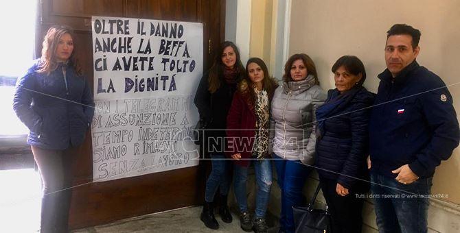 """Il pasticcio dell'Asp di Reggio: 15 oss chiamati a lavorare e """"licenziati"""" prima di iniziare"""