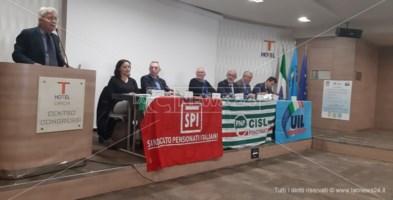 «Pensionati come bancomat»: sindacati calabresi sfidano il governo
