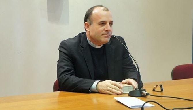 Il nuovo vescovo di Crotone Angelo Panzetta