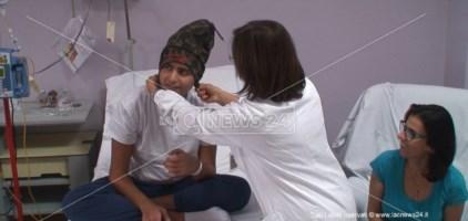 La Congrega degli scapigliati porta un sorriso tra i piccoli malati oncologici