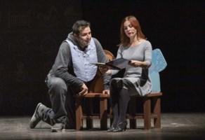 Mammamiabella, la commedia di Elena Sofia Ricci conquista il Cilea