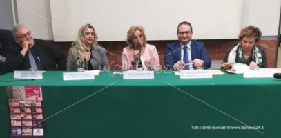 Si apre il sipario su Primafila: tra i big Iacchetti, Biagio Izzo e Teo Teocoli