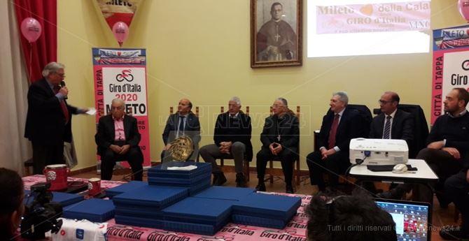 La presentazione della tappa Mileto-Camigliatello del Giro d'Italia