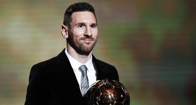 Messi premiato, foto Ansa