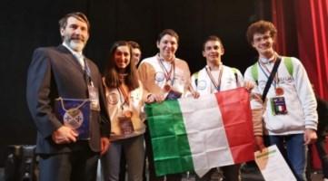 Olimpiadi di Astronomia, medaglia di bronzo per tre giovani calabresi
