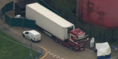 Gran Bretagna, trovati 39 cadaveri in un camion: arrestato l'autista