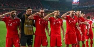 Champions, scoppia la rivolta web dei tifosi contro la finale in Turchia