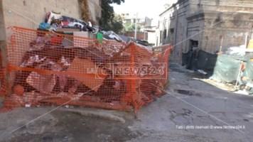Ex polveriera di Reggio: un ghetto tra rifiuti, amianto ed emarginazione