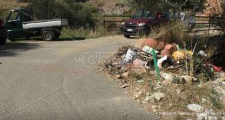 """Corigliano-Rossano, traffico """"abusivo"""" sulla strada chiusa per l'alluvione"""