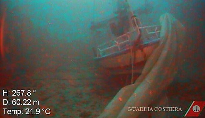 Naufragio a Lampedusa, la barca trovata sui fondali