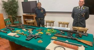 Esplosivo, droga e armi: scoperto un market del crimine nel cuore di Reggio