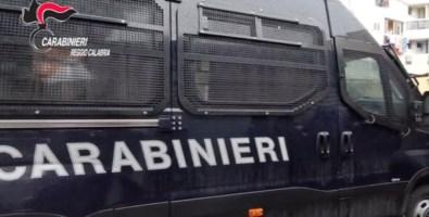 Blitz dell'Arma a Reggio Calabria: un arresto, dieci denunce e 22 mezzi sequestrati