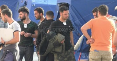 Nuovo sbarco nella Locride, 46 migranti approdano a Roccella