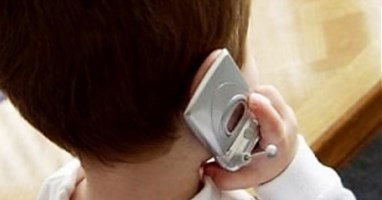 Bimbo al telefono