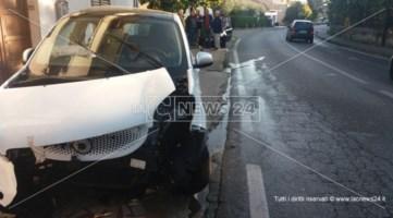 Pauroso schianto all'alba a Rende, tre veicoli coinvolti in un incidente