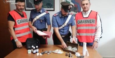 Diamante, con droga davanti scuola: arrestato 33enne