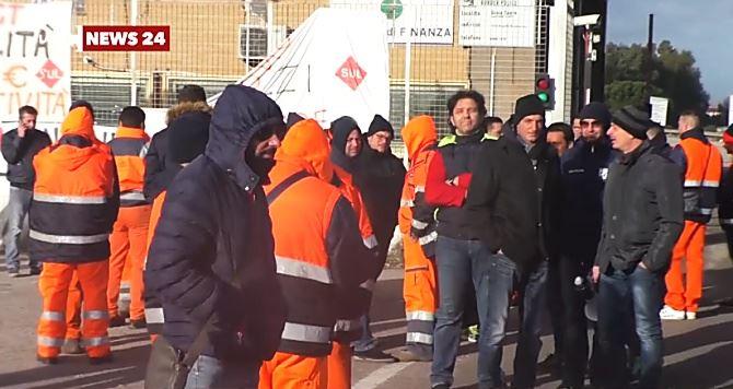 Lavoratori al porto di Gioia Tauro