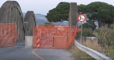 Villapiana: ponte chiuso a singhiozzo, lavori a metà e autovelox in agguato