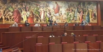 Consiglio regionale, tempo scaduto per il centrodestra: due giorni per trovare l'accordo