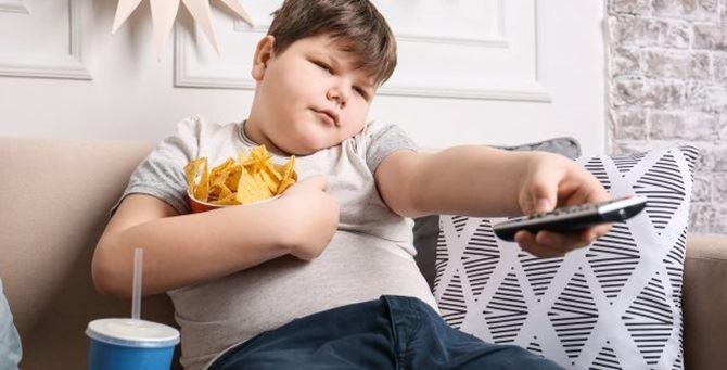 Un bambino obeso