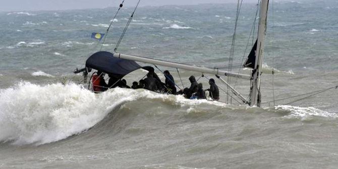 Non si fermano gli sbarchi in Calabria. Altri 58 migranti approdano al porto di Crotone