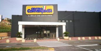 Il punto vendita di Catanzaro preso d'assalto dai clienti arrabbiati