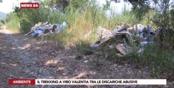 Trekking tra i rifiuti a Vibo, la Dusty replica: «Arresto per chi sporca»
