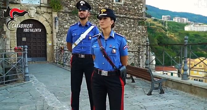 Un frame dei video dei carabinieri