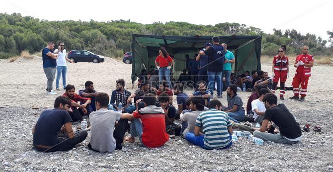 I migranti sulla spiaggia