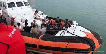 Sbarco migranti a Crotone, fermati due presunti scafisti
