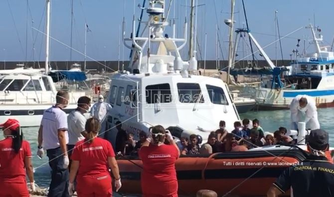 Sbarco migranti a Roccella