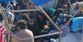 Sbarco migranti a Crotone, fermati tre presunti scafisti