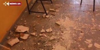Una classe chiusa dopo i cedimenti del solaio