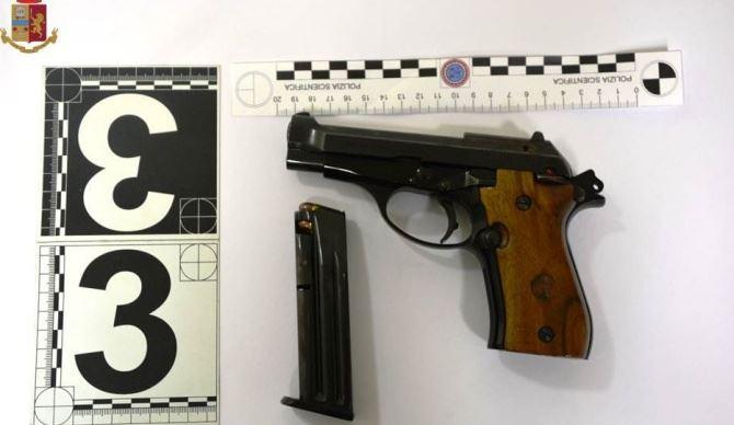 L'arma usata per minacciare il giovane