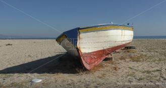Pescatori sfrattati a Schiavonea, il Comune: «Presto un nuovo piano spiaggia»