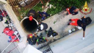 Il recupero dell'uomo caduto in un pozzo